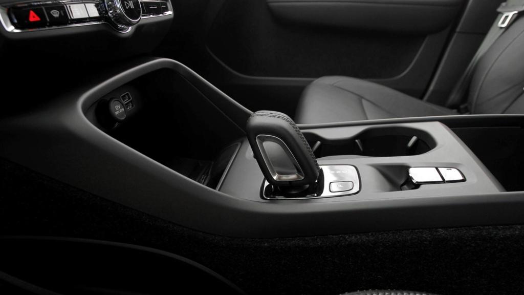 Volvo cogita lançar compactos, incluindo SUV abaixo do XC40 Teste-12