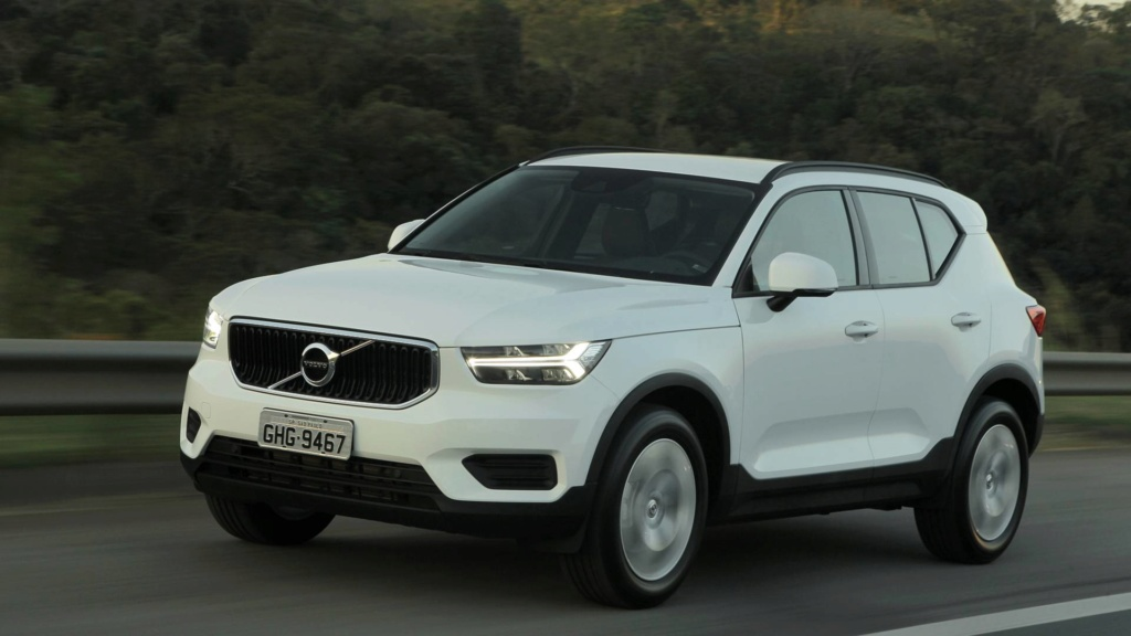 Volvo estuda SUVs abaixo do XC40 e acima do XC90 Teste-13