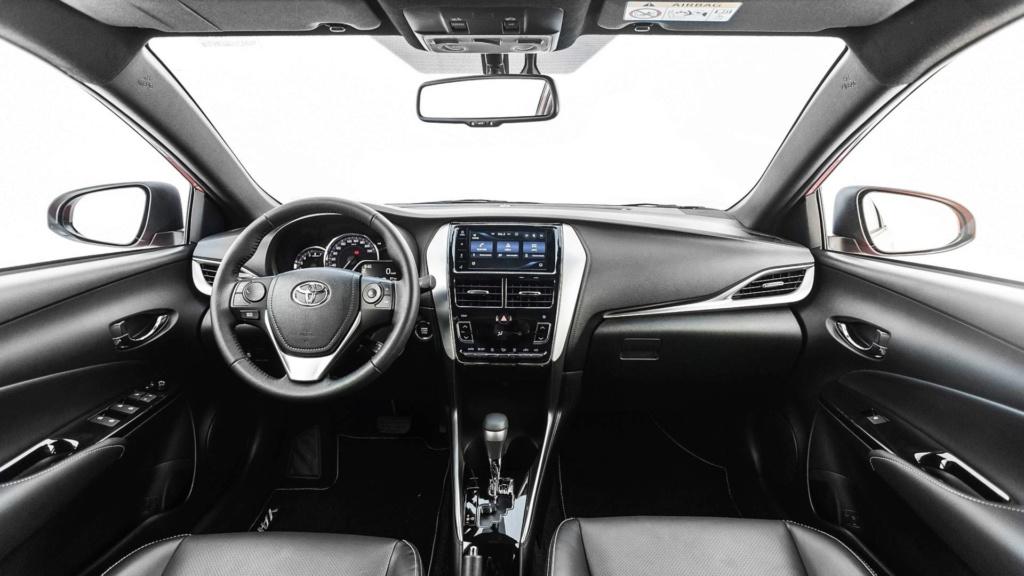 """Toyota Yaris fica mais caro e praticamente """"mata"""" versões manuais Toyota28"""