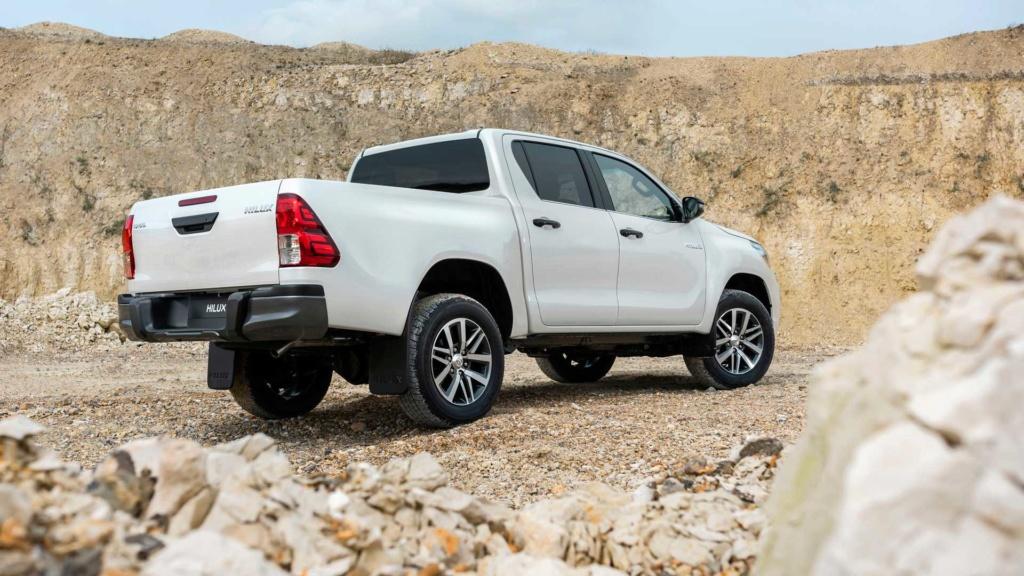 Toyota Hilux 2020 terá sete airbags de série nas versões de cabine dupla Toyota43