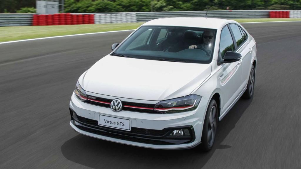 Teste: VW Virtus GTS - Quem não tem GLI caça com... Volks121
