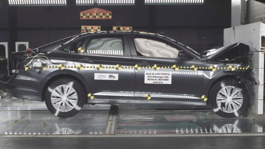 Volkswagen Jetta 2019 tem nota máxima em teste de colisão Volksw22