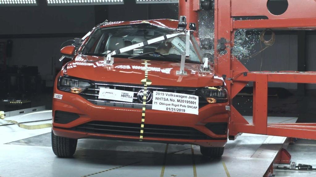 Volkswagen Jetta 2019 tem nota máxima em teste de colisão Volksw23