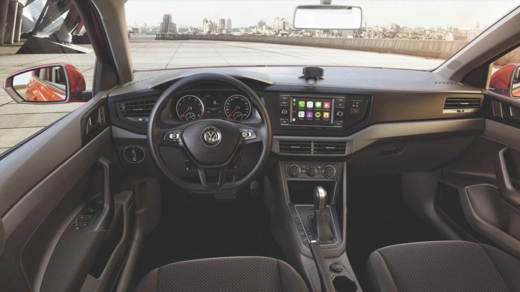 VW Polo e Virtus 1.6 são vendidos com desconto em maio Volksw68