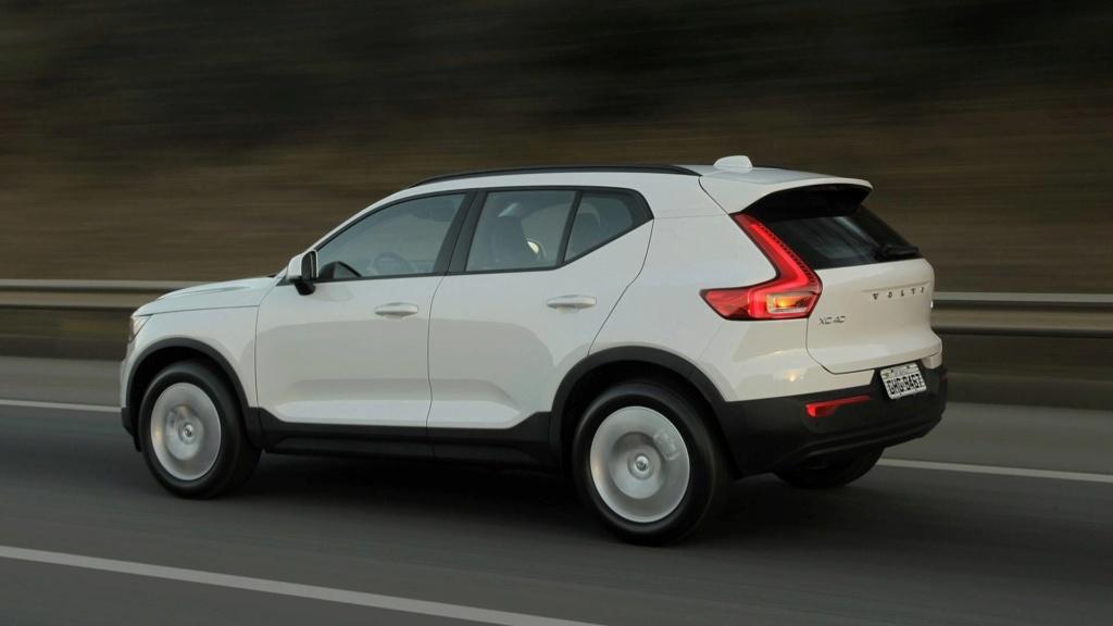 Volvo cogita lançar compactos, incluindo SUV abaixo do XC40 Volvo-14