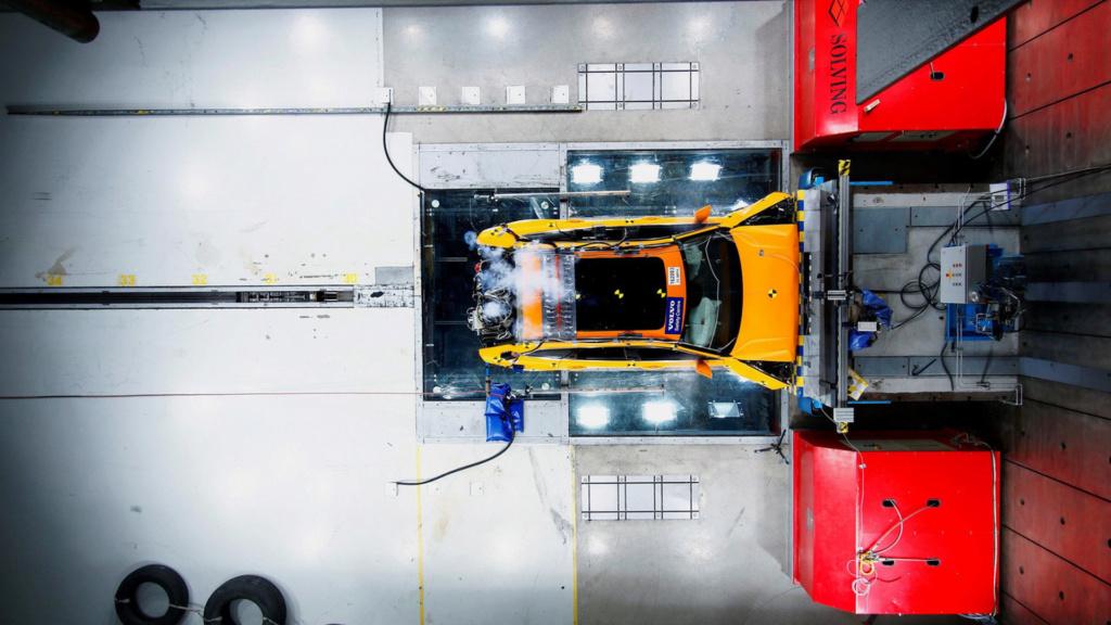 Airbag de joelho pode aumentar risco de ferimentos, diz estudo Volvo-39