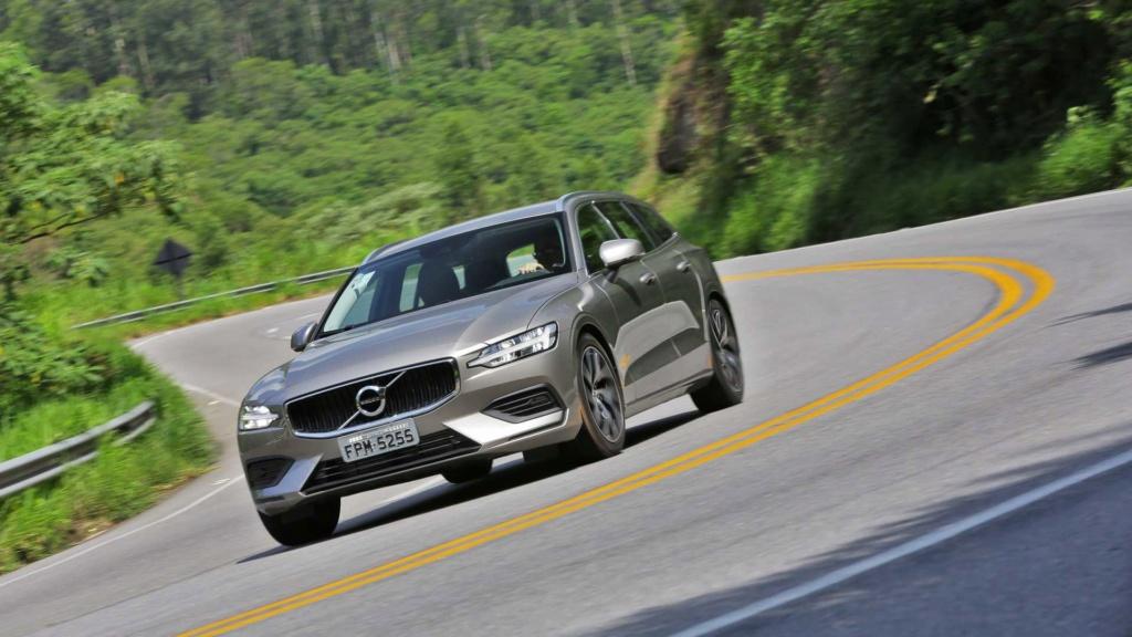Volvo V60 2020 fica mais equipada por R$ 213.950 Volvo-45
