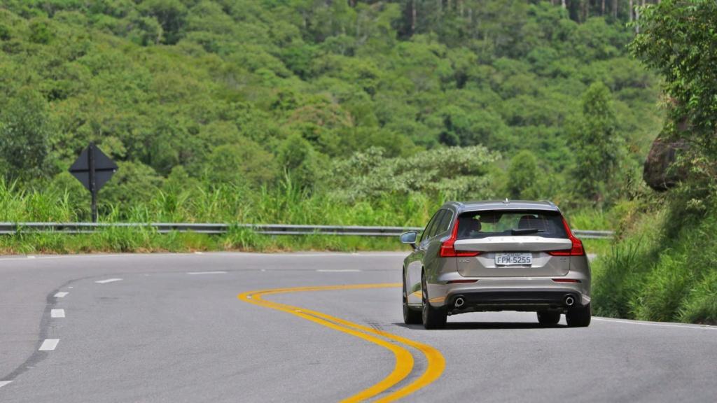 Volvo V60 2020 fica mais equipada por R$ 213.950 Volvo-46
