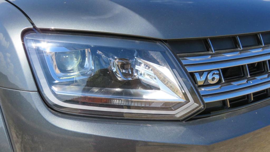 Volkswagen Amarok com motor V6 de 258 cv estreia no fim do ano Vw-ama10