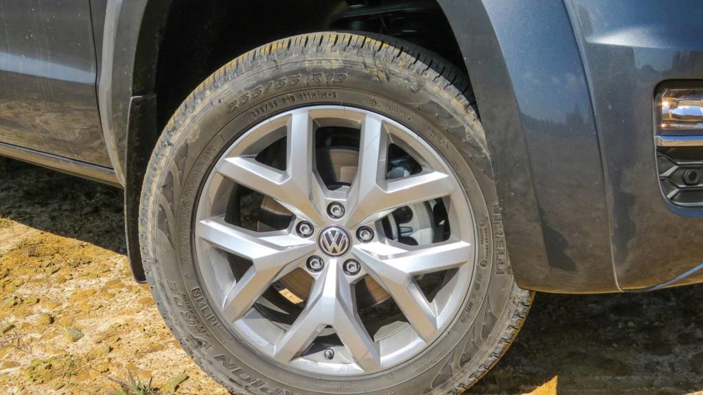 Volkswagen Amarok com motor V6 de 258 cv estreia no fim do ano Vw-ama14