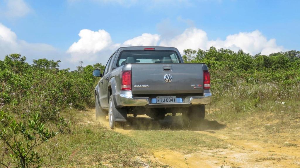 Volkswagen Amarok com motor V6 de 258 cv estreia no fim do ano Vw-ama18