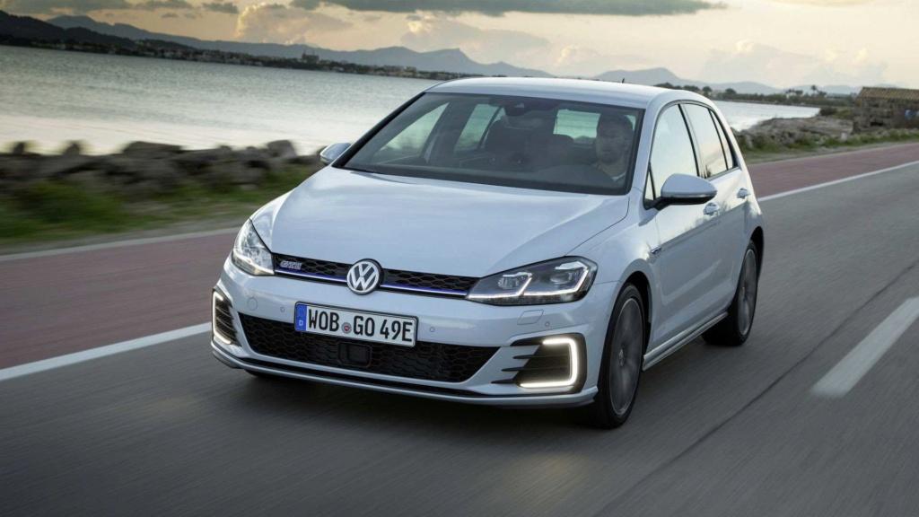 Novo VW Golf GTE será lançado em outubro, dizem concessionários Vw-gol26