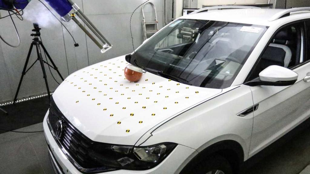 VW mostra como fez o T-Cross ter 5 estrelas em segurança Vw-lab11