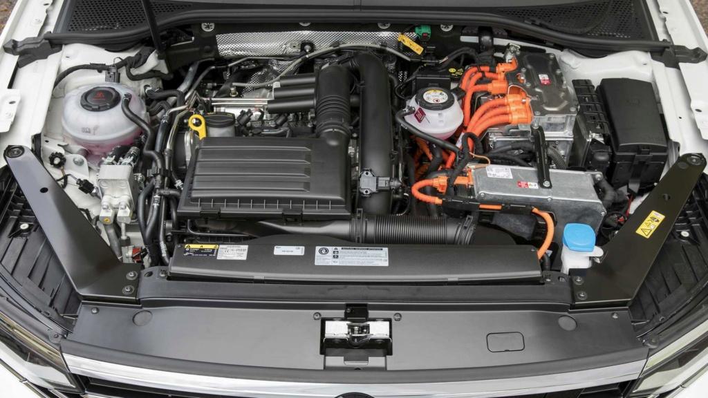 Novo VW Passat GTE amplia autonomia elétrica e é cotado para o Brasil Vw-pas12