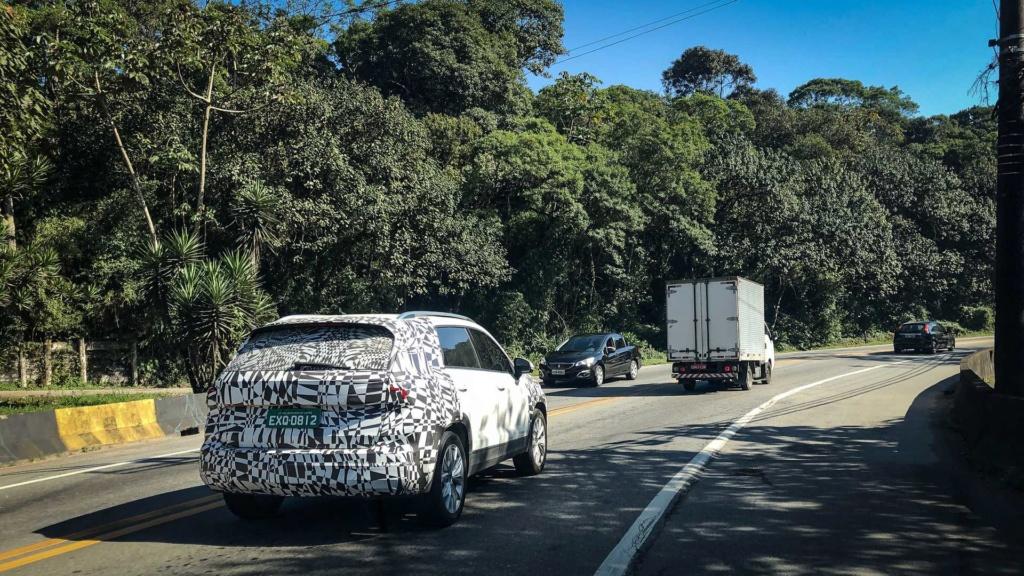 "VW Tarek: anti-Compass terá visual diferente na versão ""Mercosul"" Vw-tar11"