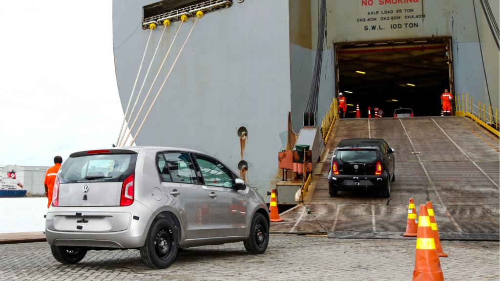 Brasil e México passam a ter livre-comércio de veículos e peças Vw-up-10