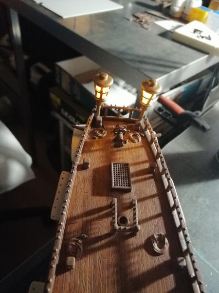 Frégatte USS BONHOMME RICHARD1/132ème Revell - Page 4 8313