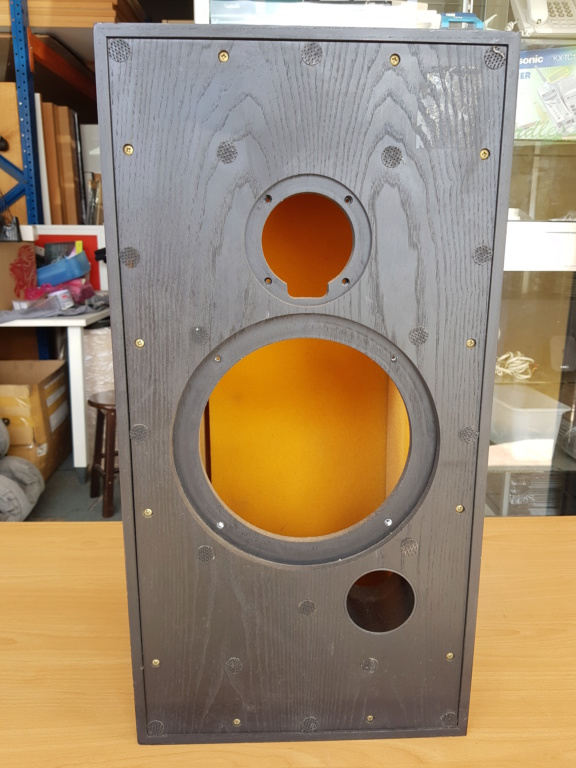Harbeth HL5 speaker Box 20191204