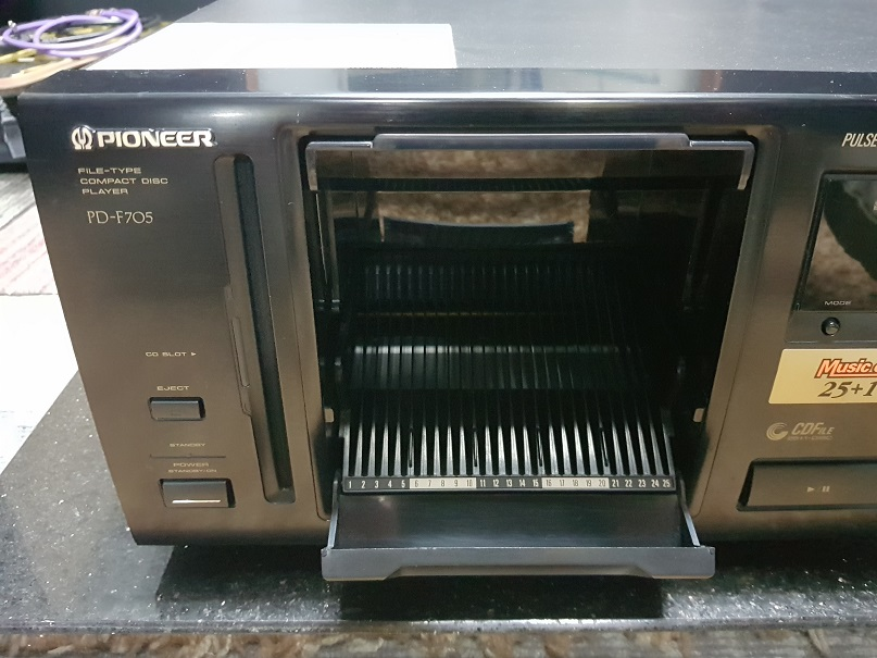 Pioneer PD-F705 Compact Disc Player 26 Changer (Used) 20201221