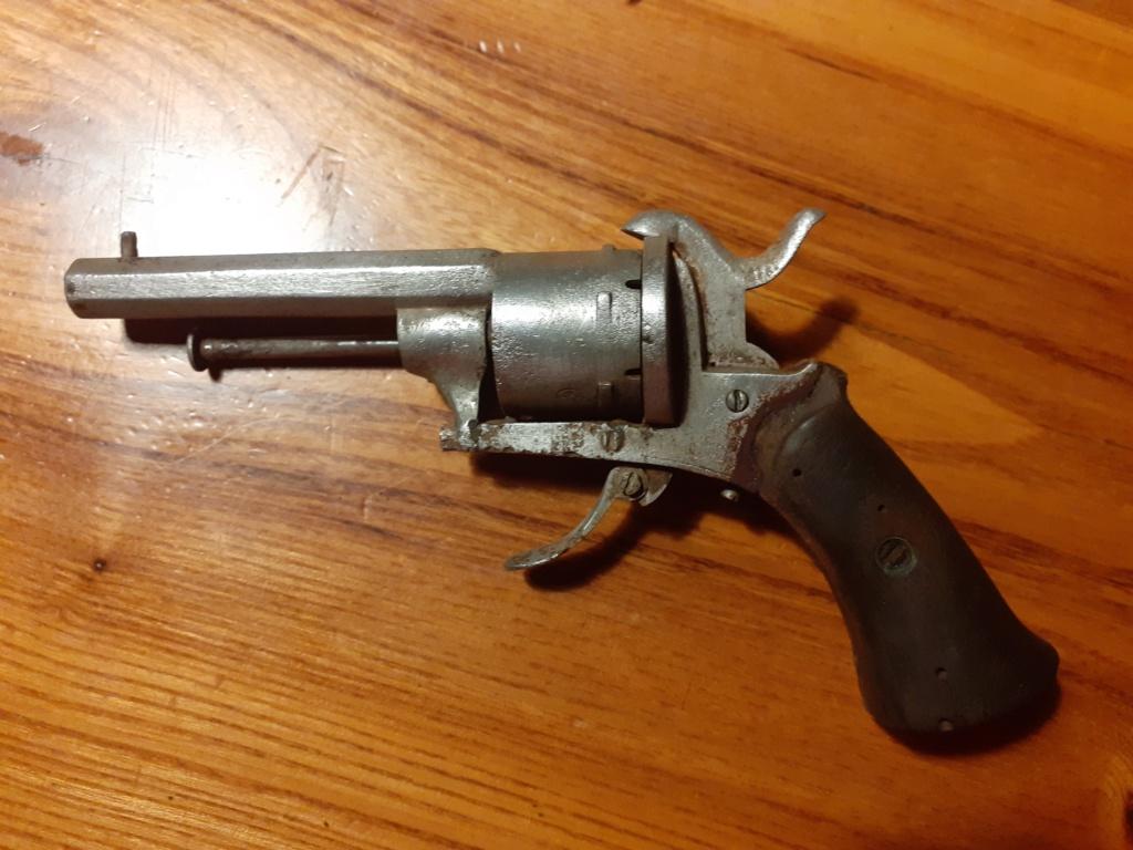 Revolver Lefaucheux, cartouche à broche. 20210810