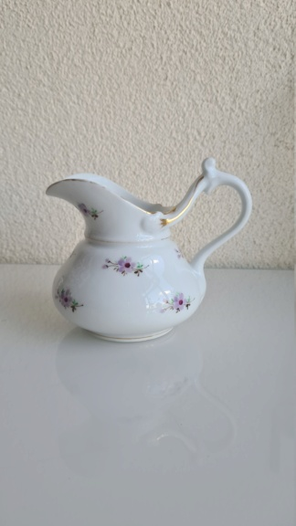 19 century Milk jug /creamer 20200882