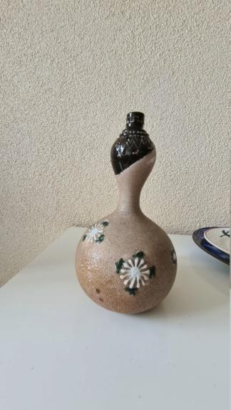 Decorated gourd vase  20200891