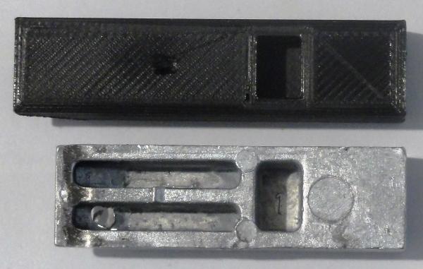 Coffre rangement arrière qui ne tient pas Dsc04311