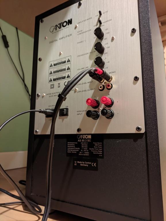 Collegamento diffusori attivi a subwoofer attivo Pxl_2013