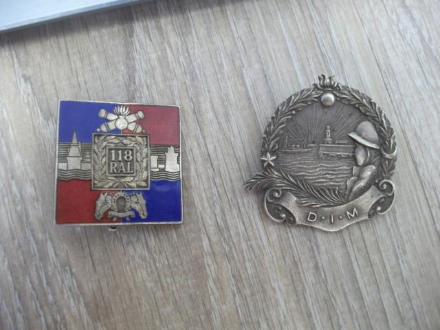 deux insignes don un à identifier Dscf4518
