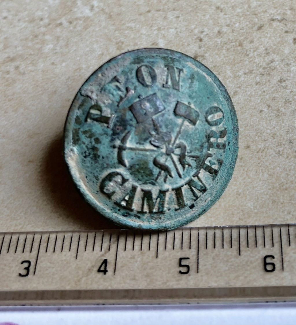 botones encontrados en la provincia de huesca Img_6516