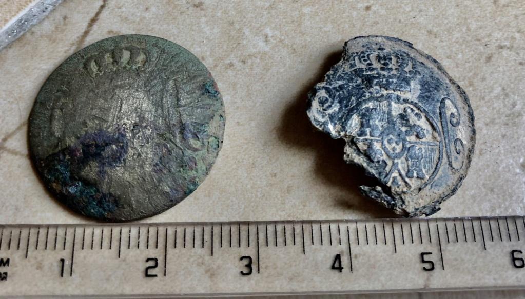 botones encontrados en la provincia de huesca Img_6518