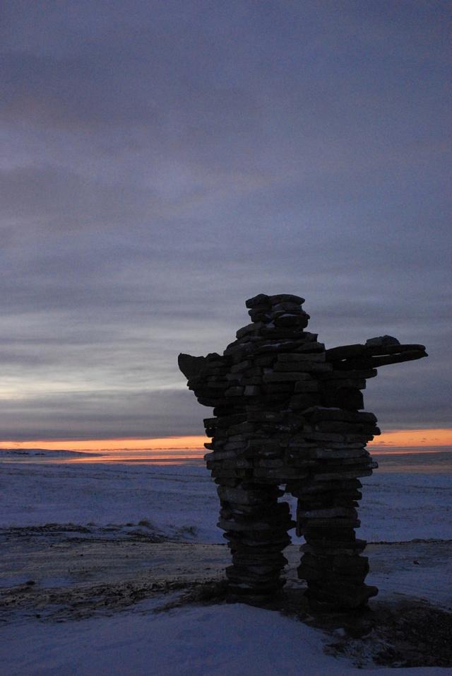 Anomalies du cercle polaire arctique : aperçu archéologique sous le pergélisol 800px-12