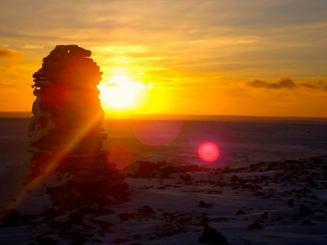 Anomalies du cercle polaire arctique : aperçu archéologique sous le pergélisol 800px-13