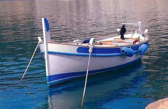 [VIE DES PORTS] Quelques bateaux de pêche (sur nos côtes Françaises) - Page 6 Pointu10