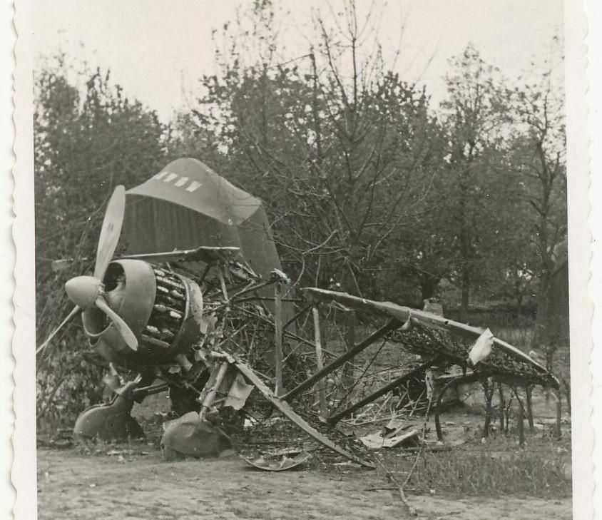 Recherches sur la base aérienne de d'Orléans-Bricy en 1940 - Page 2 Fiat_c10
