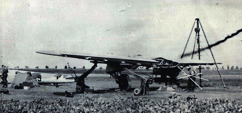 Matériels aéronautiques de la Seconde Guerre mondiale - Page 4 Img07610