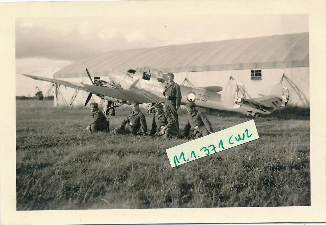 Recherches sur la base aérienne de d'Orléans-Bricy en 1940 - Page 2 Potez_10