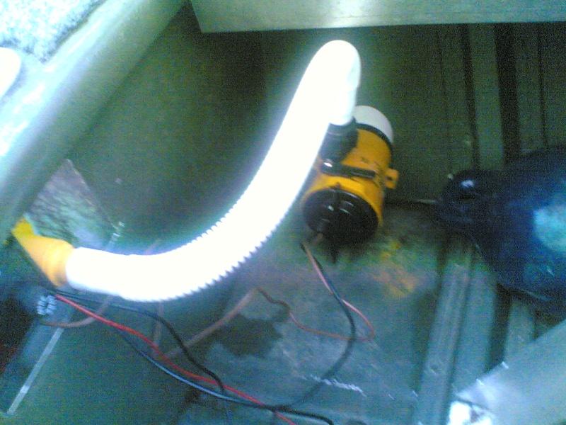 pompe pour vivier (boat) 14122010