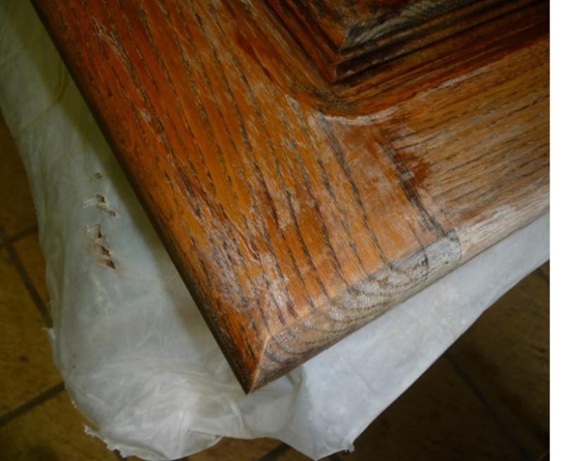 Cérusage d'un meuble en chêne 0210