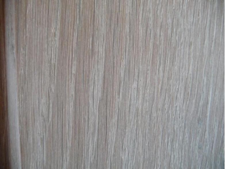 Cérusage d'un meuble en chêne 0610