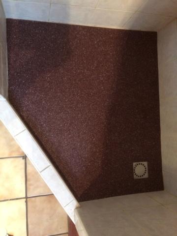 Recouvement du sol de la douche - Page 2 11_05110