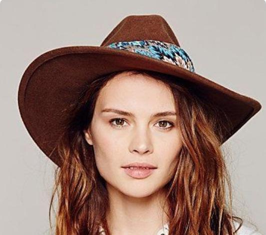 Customisatiin des chapeaux B10