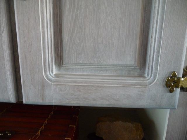 Cérusage d'un meuble en chêne P1300123