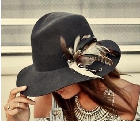 Customisatiin des chapeaux Plumes10