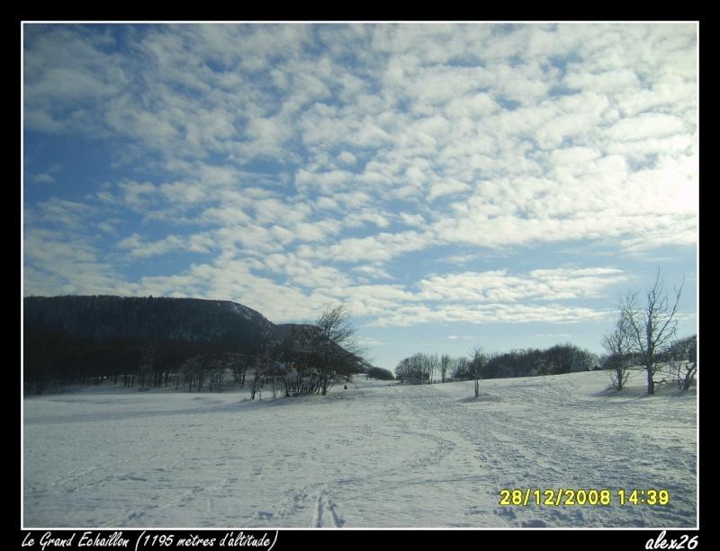 Le Grand Echaillon (26), à 1200 mètres d'altitude Dacem102
