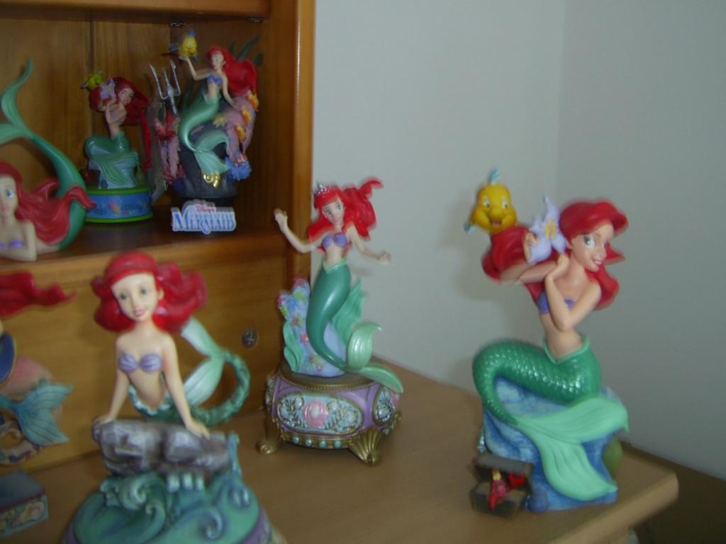 Collection Figurines et Boules à Neige Ariel Pic_0123