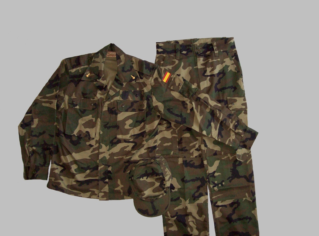 "Various Spanish Army ""Woodland"" uniforms 100_4910"