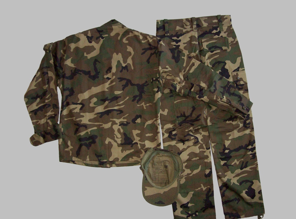 "Various Spanish Army ""Woodland"" uniforms 100_4911"