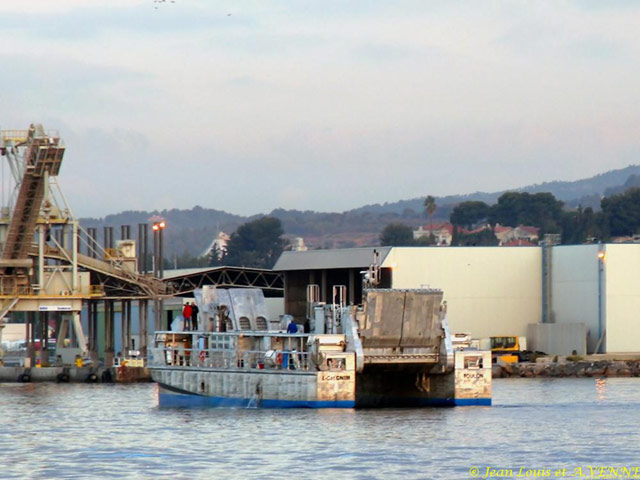 Les news en images du port de TOULON - Page 21 15_10_11