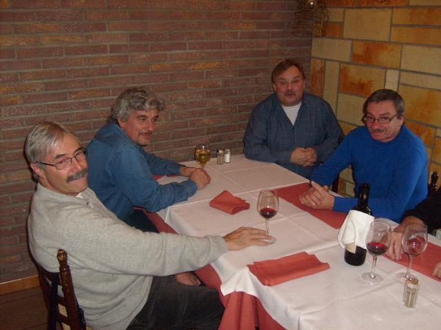 Réunion de membres à Quaregnon le 23 décembre 2008 - Page 3 23_reu10